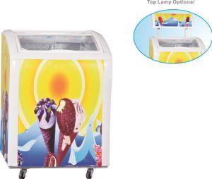Contro piccolo congelatore superiore del gelato mini