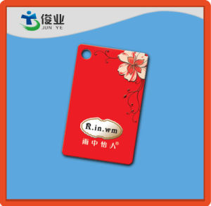 Etiquetas personalizadas de colgar la ropa de color rojo