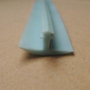 Hellgrüner T Typ hölzerne Tür Plastik-Belüftung-Dichtungs-Streifen des Plastikstrangpresßling-