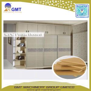 Espulsione di plastica di legno della scheda dello strato della gomma piuma del PVC 4*8FT del composto che fa la fabbrica di macchina