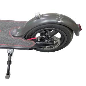 小型折りたたみの蹴りのスクーター2の車輪の屋外のスクーター