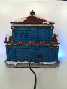 Neuestes Produkt-Harz-Weihnachtshaus mit LED-Beleuchtung für Verkauf