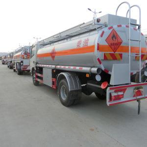 ライトは給油車6000リットルのステンレス鋼タンクタンク車に燃料を補給する