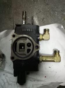 Solicitud Sumitomo Forklifta Válvula lateral para adjuntar un desplazamiento lateral.