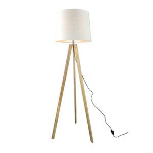Trípode moderna lámpara de piso de madera de 60W para habitación de hotel