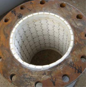 フランジとの鋼管の並べられた陶磁器