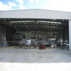 Avión de la estructura de acero de una nave de almacenamiento con bonito diseño