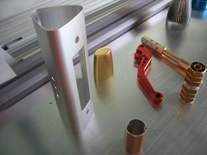 Estándar internacional de piezas de maquinaria - Perfiles de aluminio/fabricación precisa