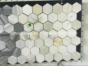 Weißes Marmormosaik mit den freien Mustern, ideal für Hotel und Verein