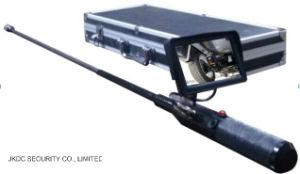 Bomba di sotto tenuta in mano del veicolo che rileva macchina fotografica, macchina fotografica di controllo della bomba