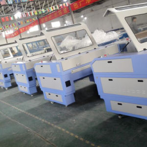 공장에서 40W/80W/100W/120W/150W 이산화탄소 Laser 조판공 그리고 절단기 기계