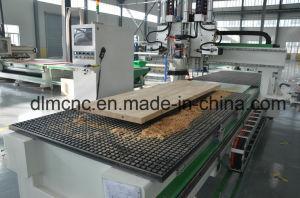 Portello del centro di lavorazione di CNC che fa Engraver e taglierina