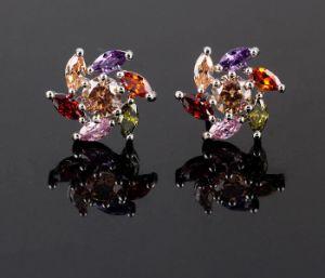 方法金の水晶正方形の花のスタッドのイヤリングの宝石類