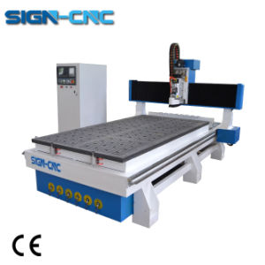 Incisione di CNC del router di CNC di falegnameria con il commutatore automatico dello strumento