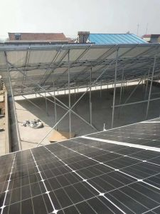 La masse Montage sur toit 5000W avec batterie hors du système solaire Système de grille pour la maison solaire de 5 KW