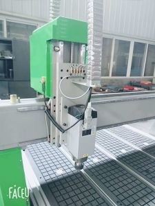 Rj 1530W Holzbearbeitung CNC-Fräser mit Vakuumtisch