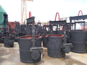 鋳物場の工場で使用される変化のひしゃく