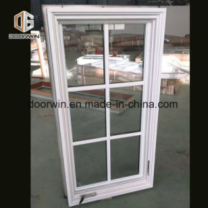 백색 단단한 나무 크랭크 열려있는 Windows, 나무로 되는 창틀