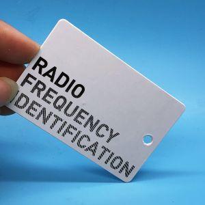 고성능 UCODE 8 UHF RFID 의복 걸림새 꼬리표 스티커