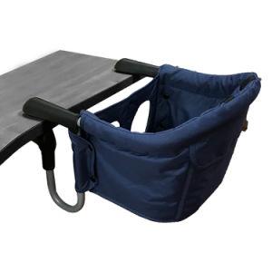 Bebé silla de mesa con la norma en