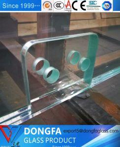 Clair Sentryglas trempé le verre feuilleté avec encoche/trous/Safe Corner/poli personnalisés pour un bâtiment moderne de bord