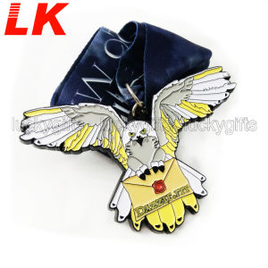 5Kメダルを実行するカスタム各国用のスポーツ