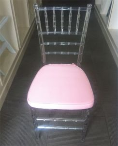 Pink Cushion를 가진 명확한 Monobloc Tiffany Chair