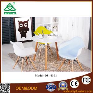Antiguo estilo europeo de polvo empilable colorido cubierta de metal Bistro Chair