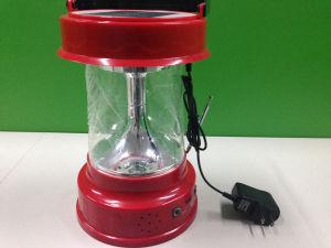 LED Lanterne solaire portable Outdoor Camping Lanterne solaire des feux de piles rechargeables avec radio
