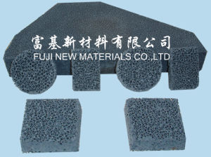 Ijzer dat de Ceramische Filter van het Schuim giet