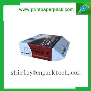 서류상 선물 상자를 포장하는 주문 전자공학 부속품