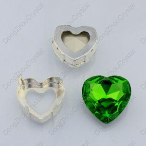 Commercio all'ingrosso di pietra di vetro verde smeraldo alla moda della Cina per la decorazione dei monili