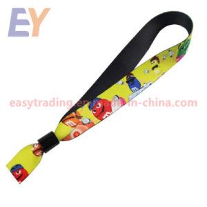 China-Herstellerpolyester gesponnener Wristband mit Plastikverschluß