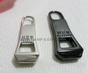 Accessori dell'indumento del tenditore del cursore della chiusura lampo del metallo dei vestiti del rivestimento di inverno di modo