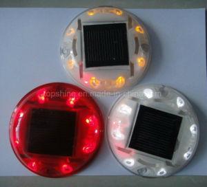 반대로 UV 폴리탄산염 플라스틱 LED 번쩍이는 신호등 태양 도로 장식 못