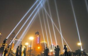Gbrの多彩な移動ヘッド検索ライトキセノンランプ4000Wの屋外の空の追跡者ライト5000W