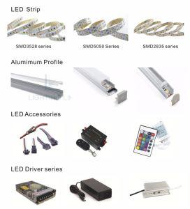 広い5mmのCRI90+の高い明るさSMD 3528 120LEDs/m LEDのストリップ