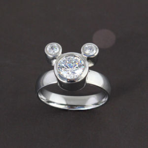 e52bfbf02085 Comercio al por mayor allanar anillo de diamantes de Mickey Mouse 925  Joyería de Plata Caja Regalo Joyeria