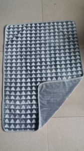Manta grabada nuevo triángulo del paño grueso y suave de la franela 3D/manta cortada del paño grueso y suave