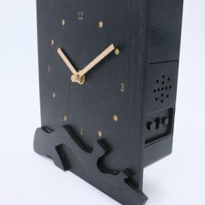 Poco costoso di legno l'orologio di parete del cuculo di Co di tempo con il suono dell'uccello di disegno del cliente