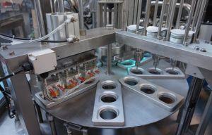Cuvette de remplissage pour jus d'étanchéité avec de particules de la machine