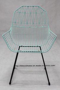 近代的なダイニングレストランKdの家具金属アームチェアのワイヤーチェア