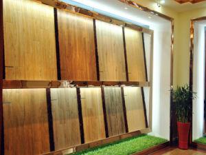 Het verglaasde Hout van het Porselein kijkt de Decoratieve Tegel van de Muur