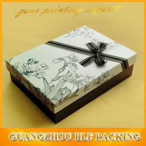Cmyk роскошь бумаги картона в подарочной упаковке .