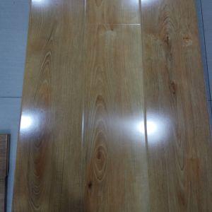 Direto da fábrica à prova de fornecimento de materiais de construção de piso laminado