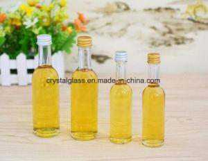 Leere kleine Wein-Glasflaschen