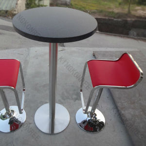 高貴な固体表面の石造りのレストランのダイニングテーブル