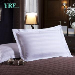 ホテルの生きている寝具のホテルの寝具