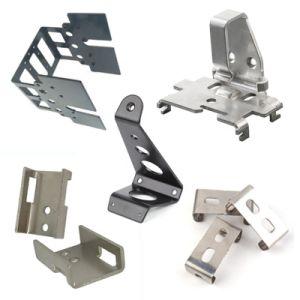 Piezas metálicas con estampado de flexión y corte por láser Service