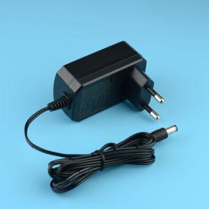 Über aktuellem Schutz EU-Stecker 12V 2A Wechselstrom-Gleichstrom-Weihnachtsbaum-Schaltungs-Energien-Adapter